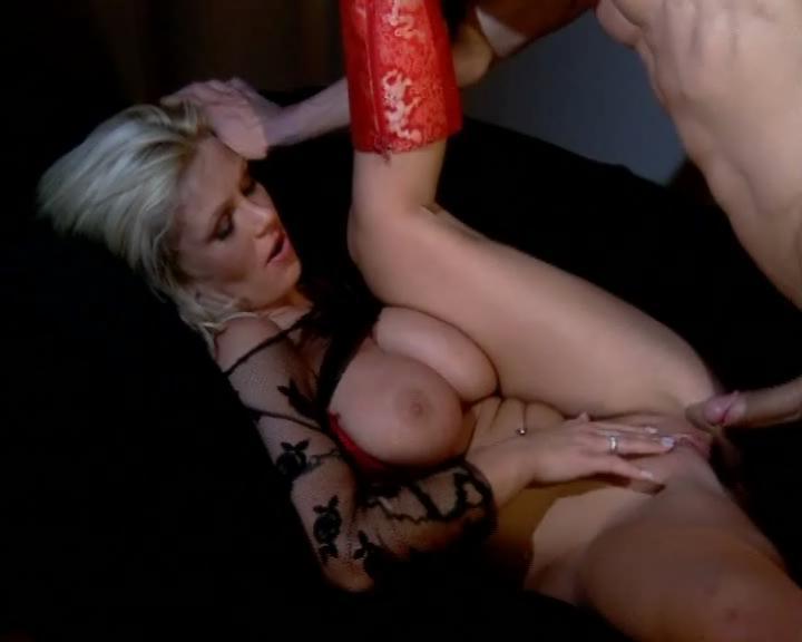 Vivian schmitt nackt