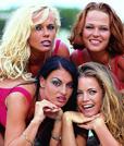 Kelly mit anderen Porno Darstellerinnen