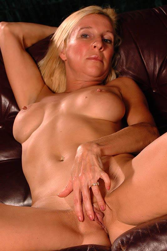Nymphomanin Mopse Inzest Massage